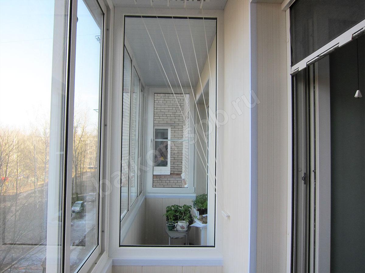 Обшивка смежных балконов